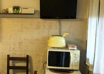 frigobar-toast-microonde-TV-1
